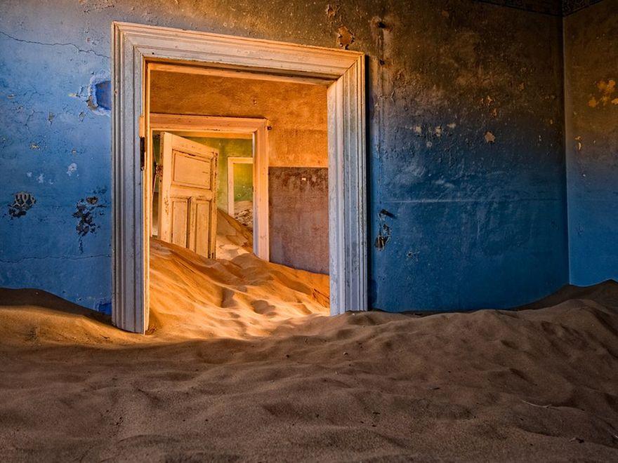 Kolmanskop dans le désert de Namib en Namibie