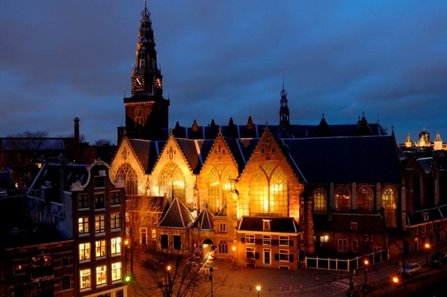 L'Oude Kerk (Vieille Eglise) d'Amsterdam