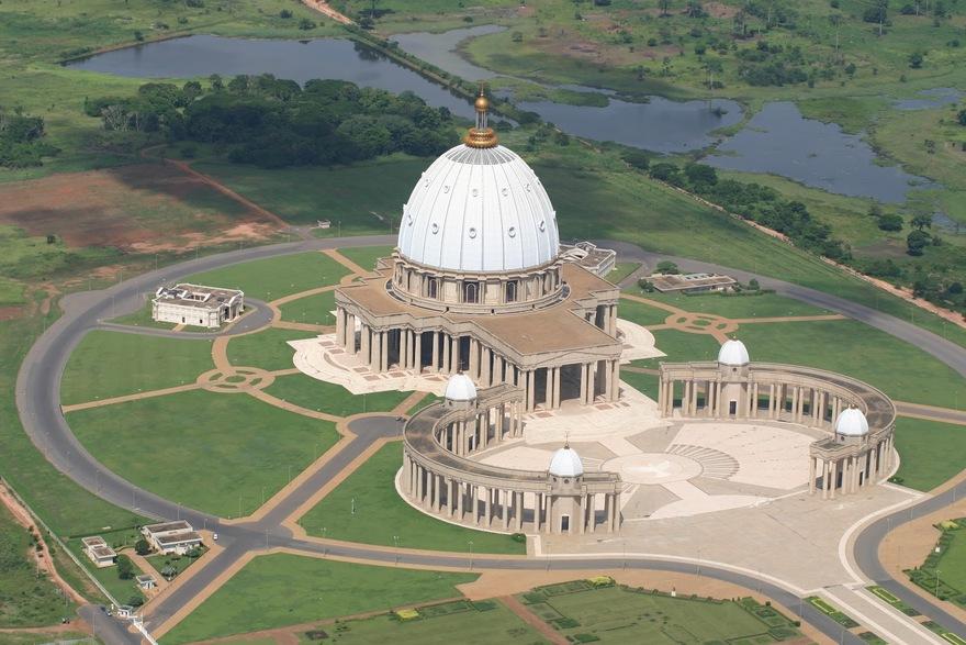 La Basilique Notre-Dame de la Paix de Yamoussoukro en Côte d'Ivoire