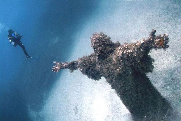 Le Christ des abysses à San Fruttuoso en Italie