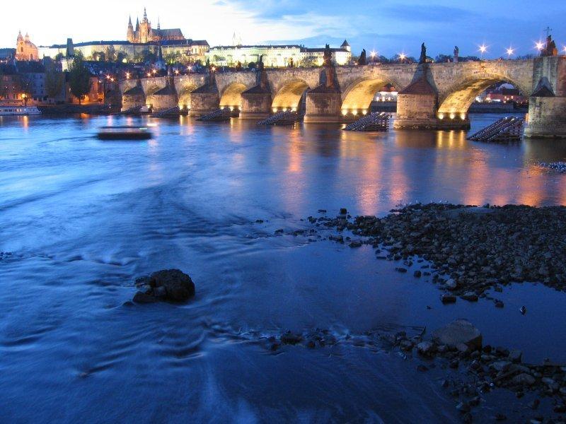 Le romantisme du pont Charles à Prague