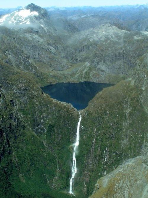 Les chutes de Sutherland en Nouvelle- Zélande
