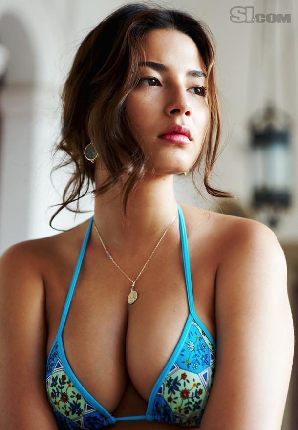 Les seins de Jessica Gomes