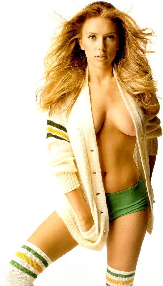 Les seins de Scarlett Johansson