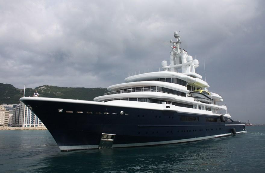 Luna yacht