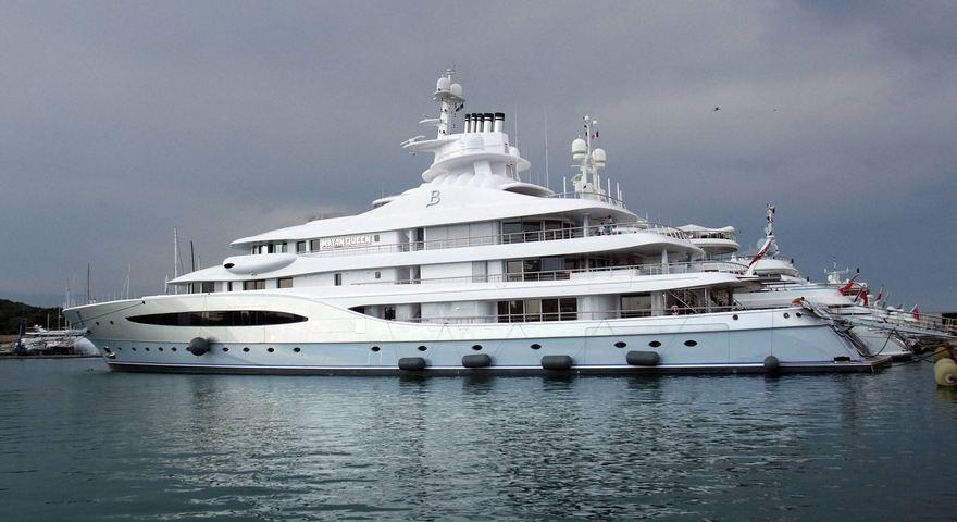 Mayan Queen IV yacht