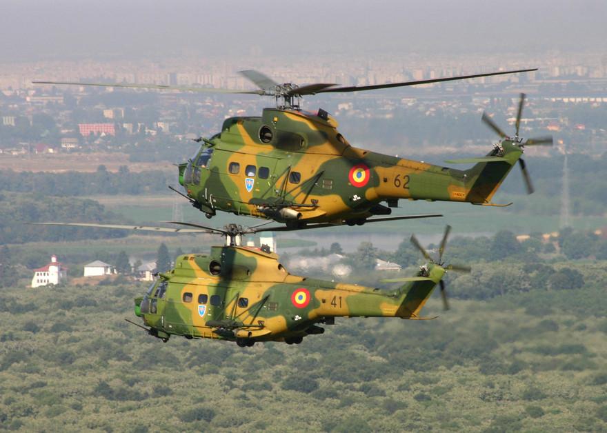 L'hélicoptère IAR330 Puma de l'armée roumaine