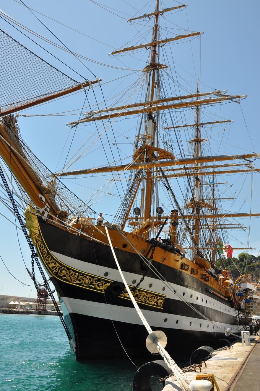 Le voilier trois-mâts Amerigo Vespucci