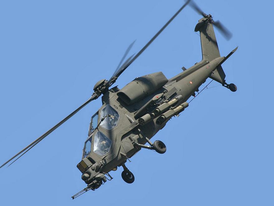 Hélicoptère d'attaque A129 Mangusta
