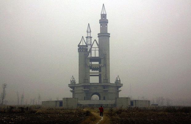 Le parc de DisneyLand abandonné près de Beijing en Chine