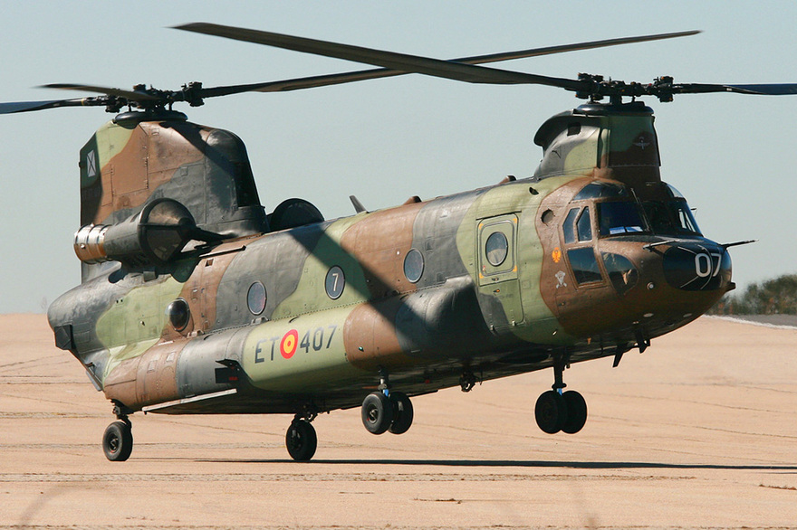 L'hélicoptère H47 CHINOOK