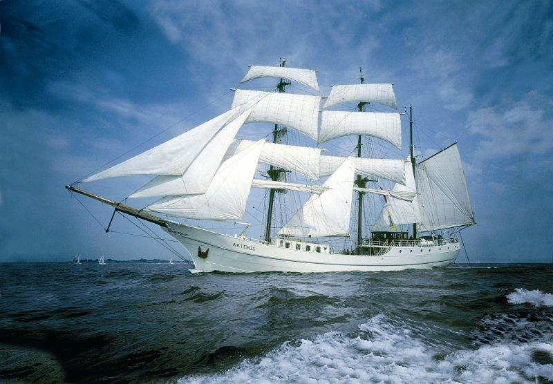 Le trois-mâts barque Artemis