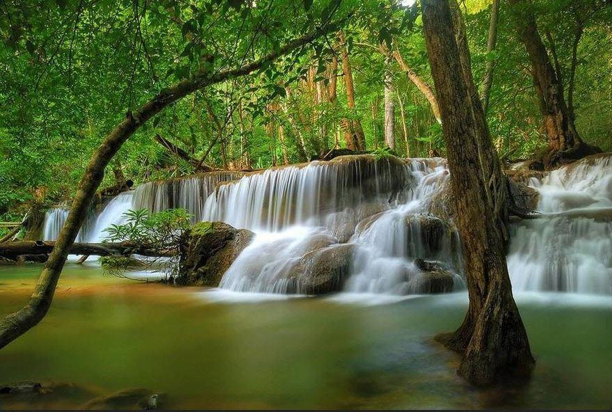 Chutes d'eau de Huay-Mae-Kamin en Thailande