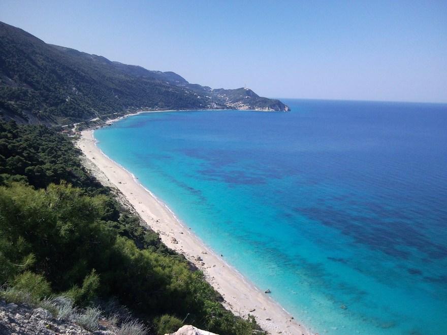 La plage d'Egrimni en Grèce