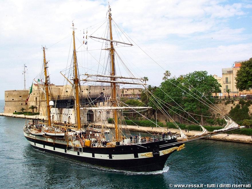 Le Palinuro, voilier français