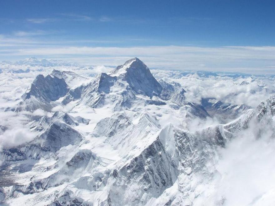 Le Mont Everest à la frontière entre le Népal et la Chine