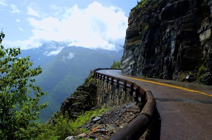 Sunset road, parc national du Glacier, Montana