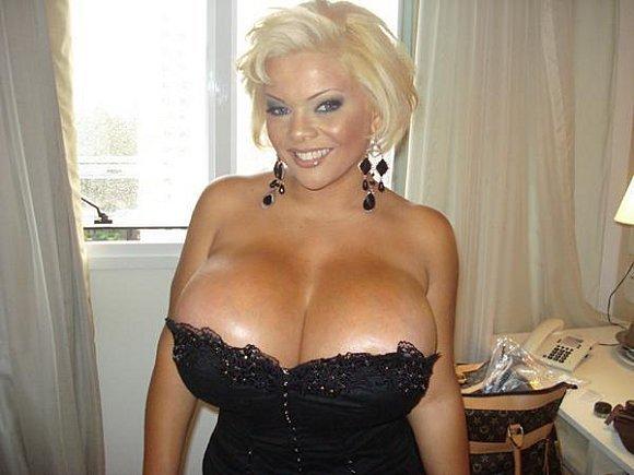 Top des plus gros seins du monde