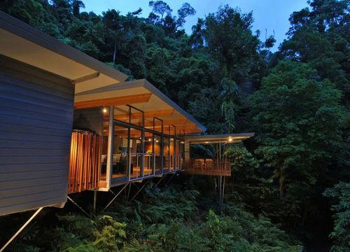 Une cabane de luxe dans les arbres en Australie