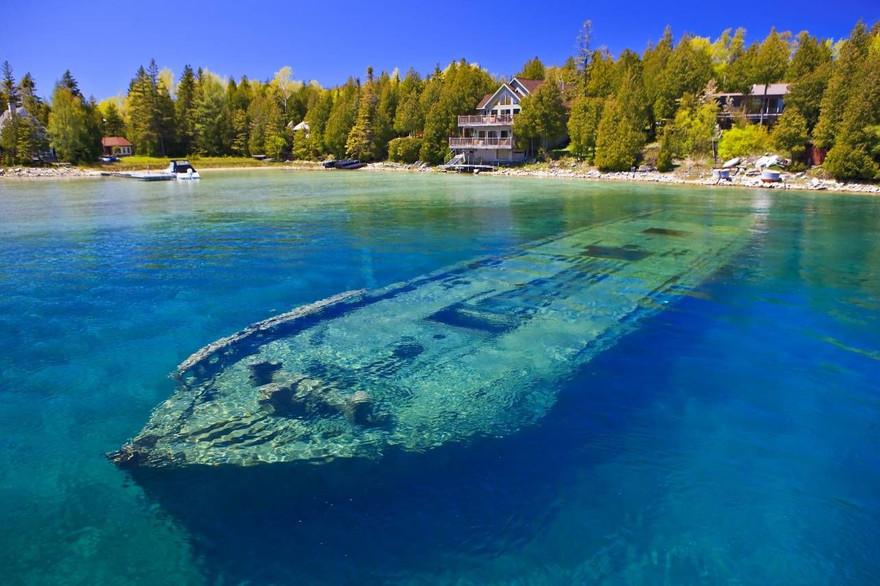 Bateau échoué dans le lac Huron, USA