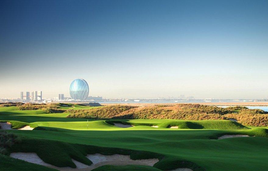 Le golf Yas Links à Abu Dhabi