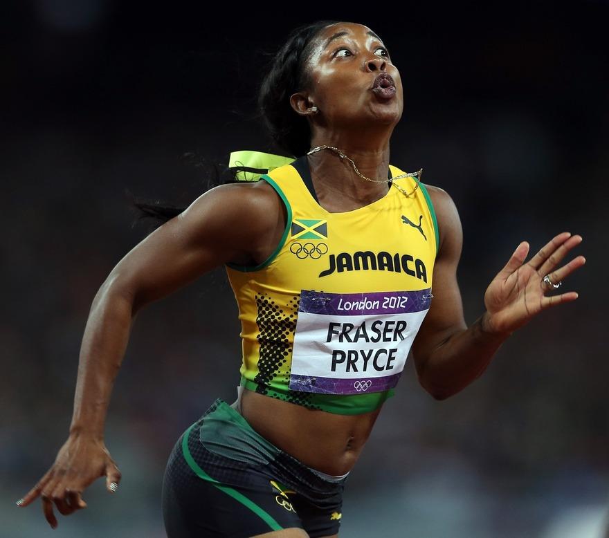 Photo hilarante de Shelly-Ann Fraser-Pryce en plein sprint