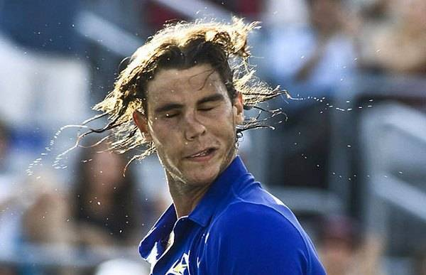 Photos amusante de Rafael Nadal pendant un match
