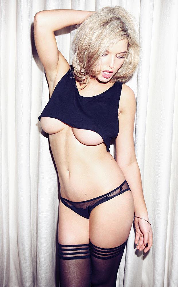 Les seins d'Helen Flanagan