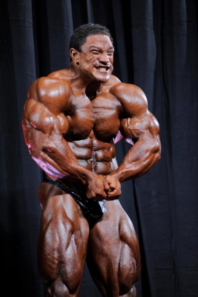 Un bodybuilder en plein travail