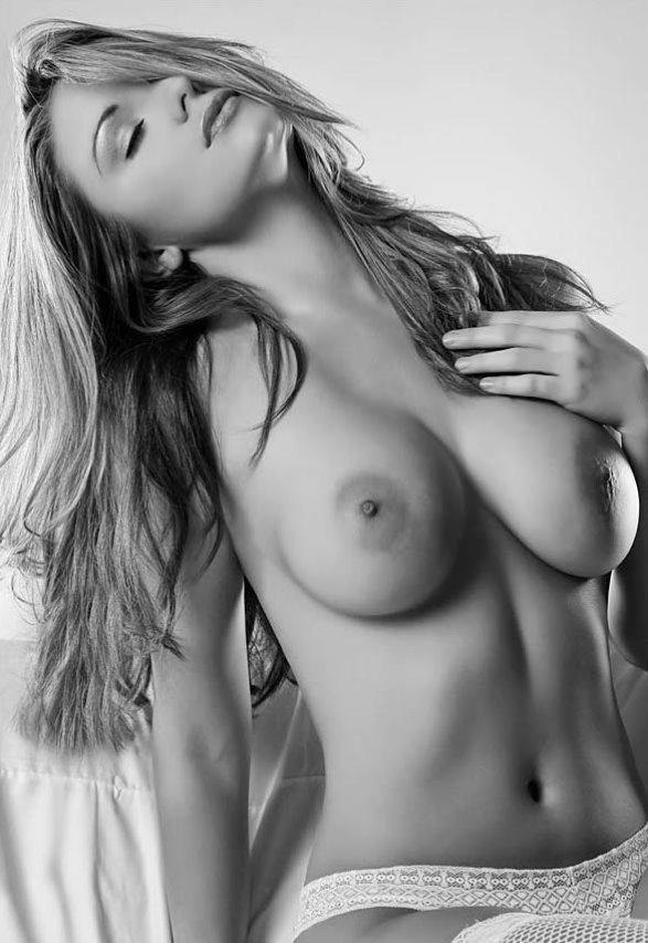 Les plus beaux seins au monde