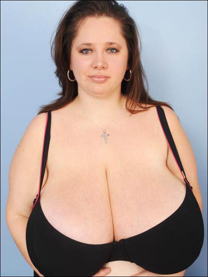 Les plus grosses poitrines au monde