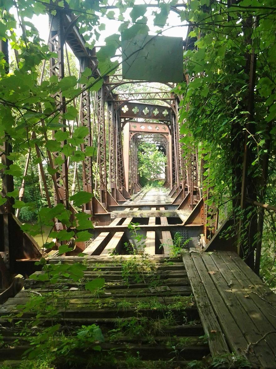Un pont fermé car trop dangereux