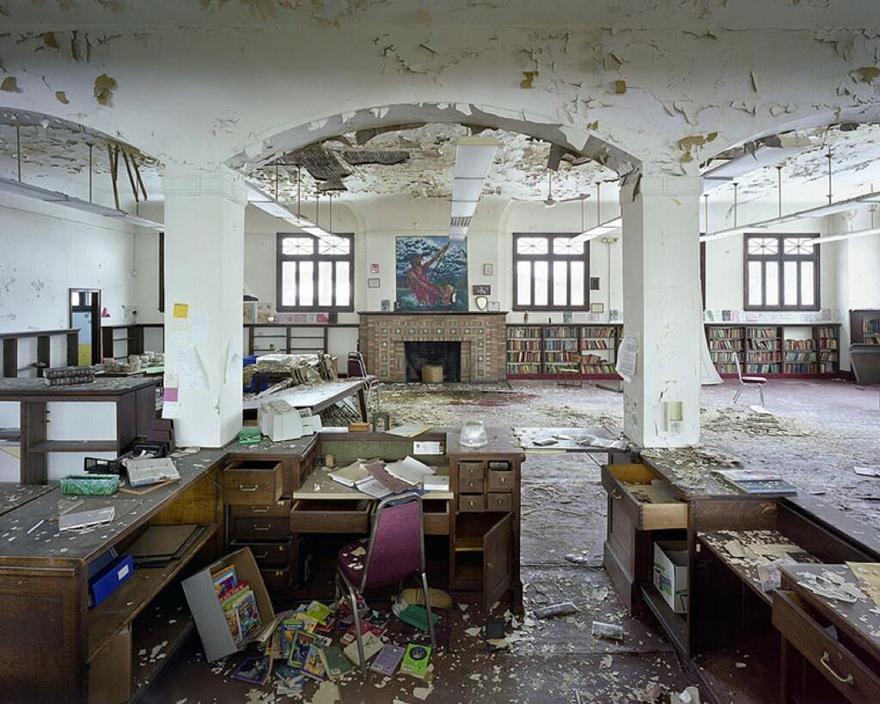 Une bibliothèque d'enfants en ruine à Détroit dans le Michigan