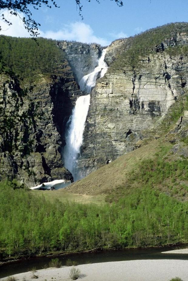 La cascade Mollisfossen en Norvège
