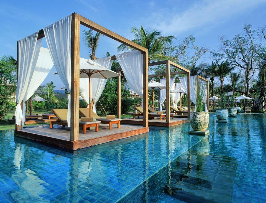La piscine du Sarojin en Thaïlande