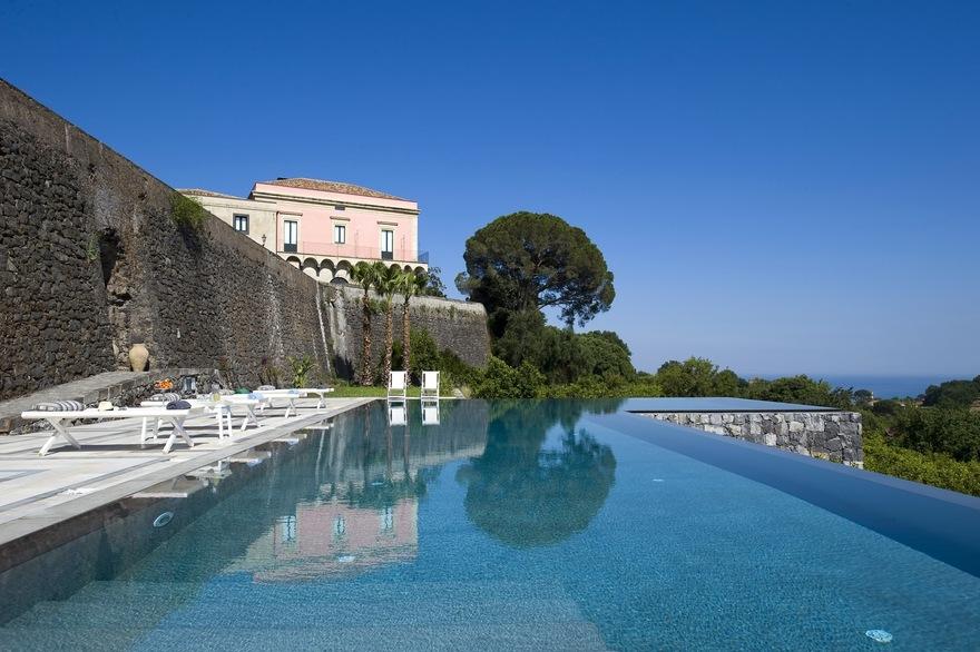 La piscine Infinity en Sicile