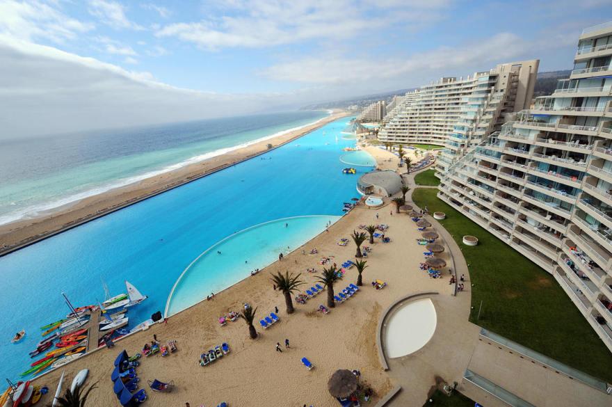 La plus grande piscine du monde au Chili
