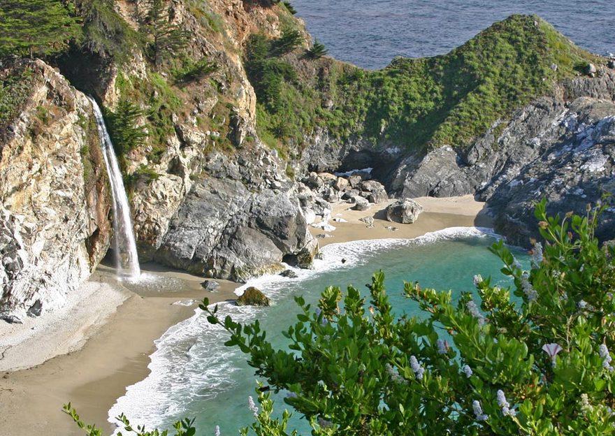 Les chutes McWay en Californie