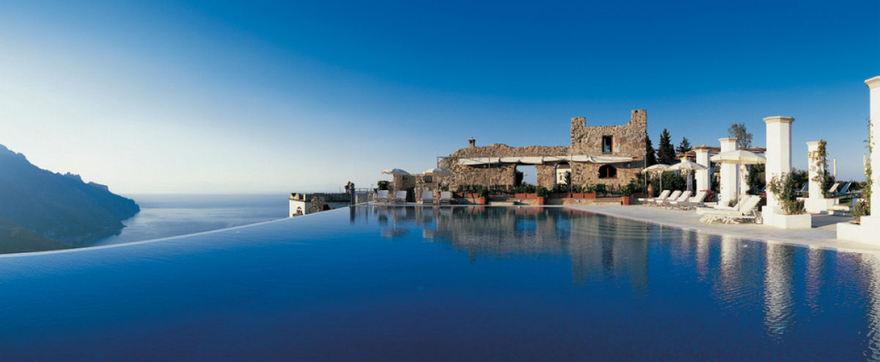 Piscine de l'hôtel Caruso en Italie
