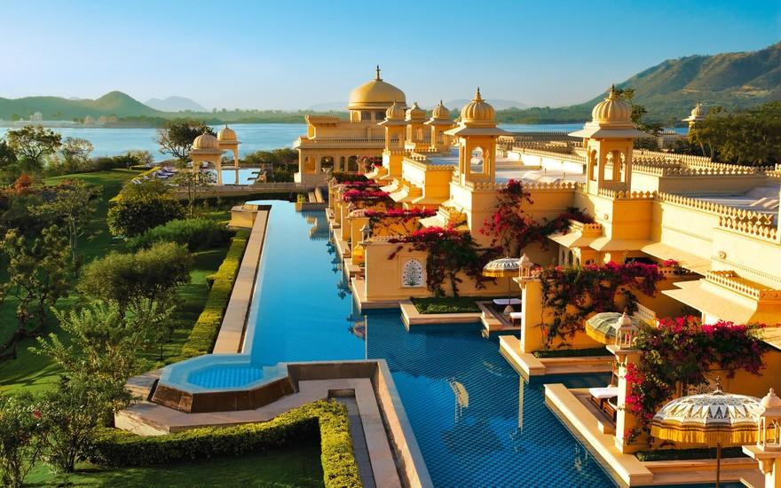 Piscine de l'hôtel Oberoi Udaivila en Inde