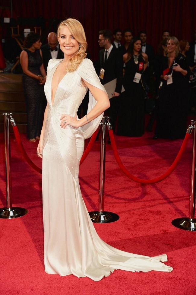 Le décolleté de Kate Hudson - Oscars 2014