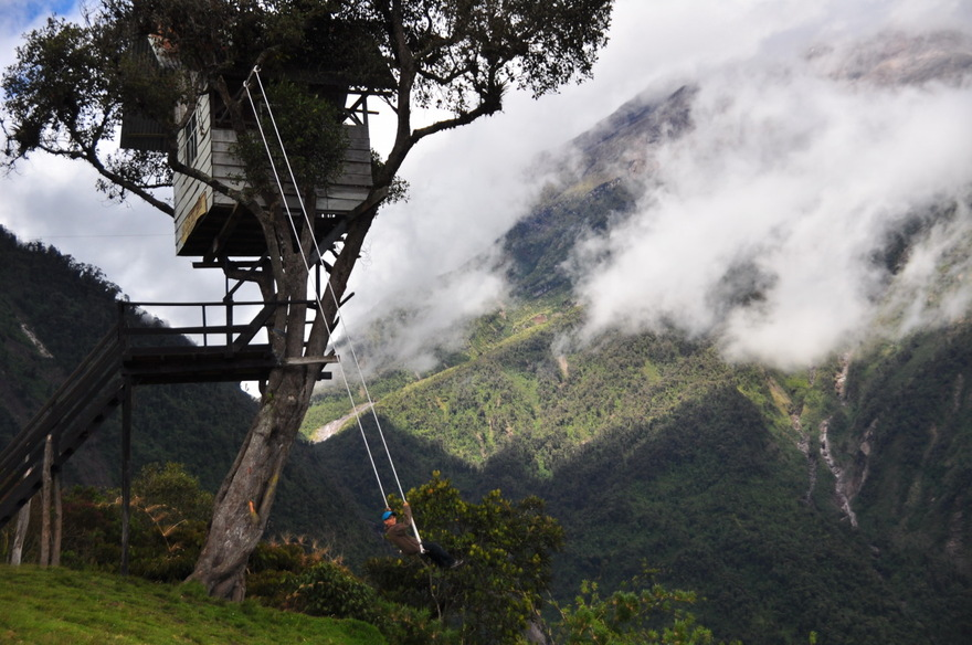 """The swing at the """"End of the World"""", Equateur"""