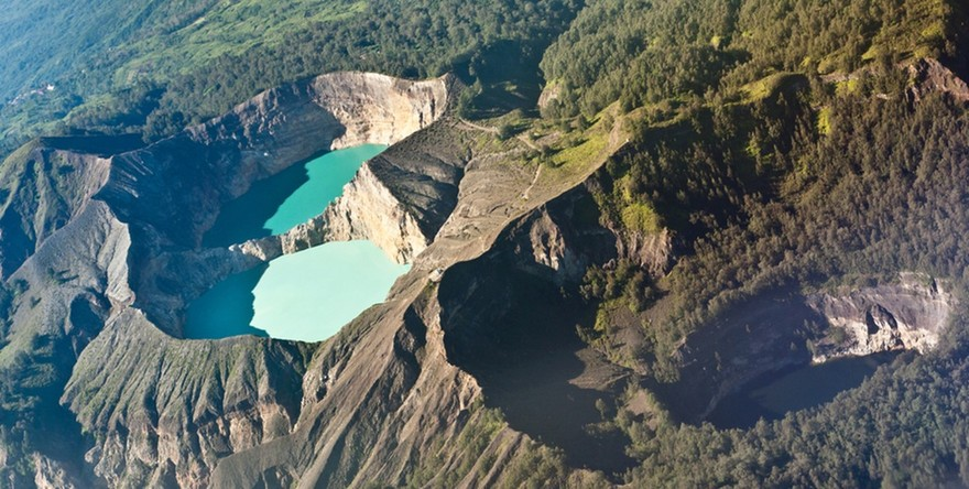 VKelimutu crater lakes, Indonesie