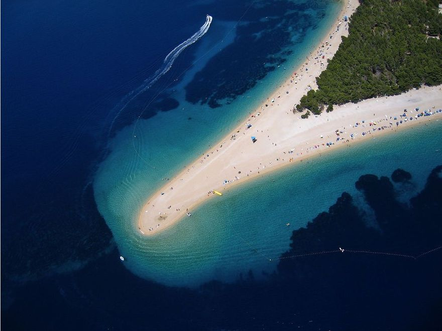 La plage de Golden Cape en Croatie
